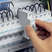Installationsbekendtgørelsen - har du styr på valg og installation af fejlstrømsafbryder og transientbeskyttelse?